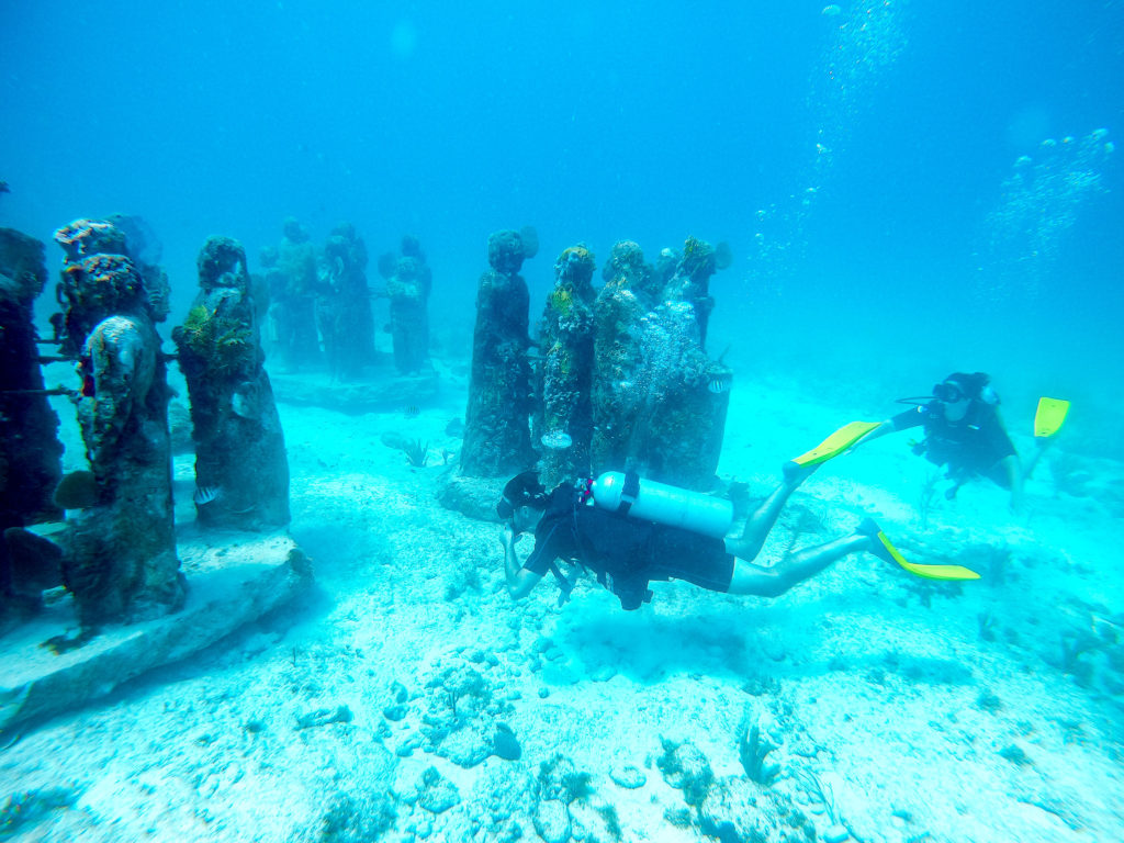 Scuba Diving In Cancun Mexico at the Cancun Underwater Museum