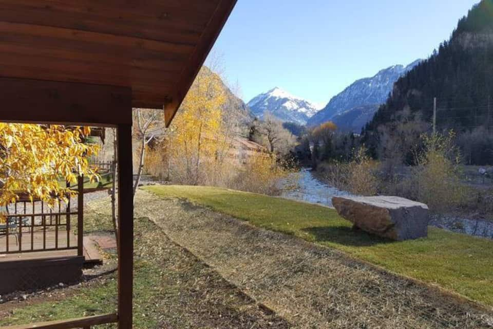 Ouray Colorado cabin to rent on the river